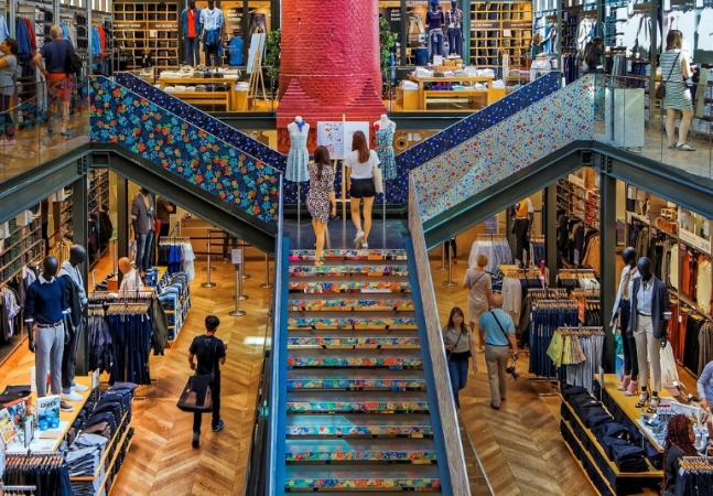 6b525b15af9 6 Best Areas To Shop Like A Parisian